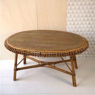 Vintage rotan tafel met boogjes