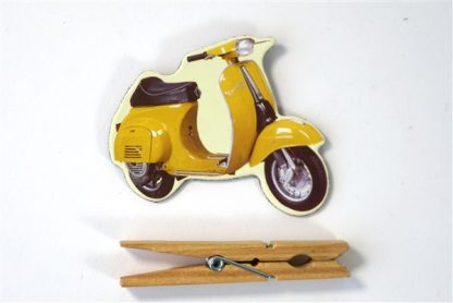 Gele scooter