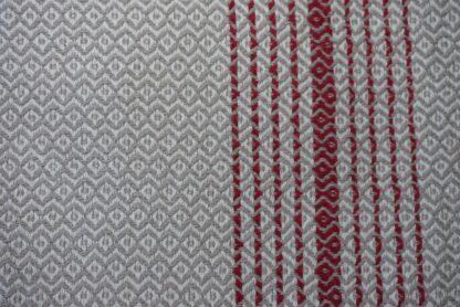 Hamamdoek cementkleur - met rode streepjes