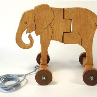 Houten trek-olifant